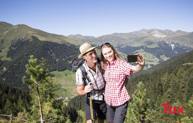 Selfie inmitten der Bergwelt im Tuxertal