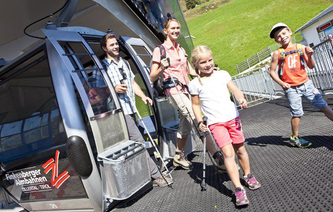 Familiy adventure cable cars in Tuxertal