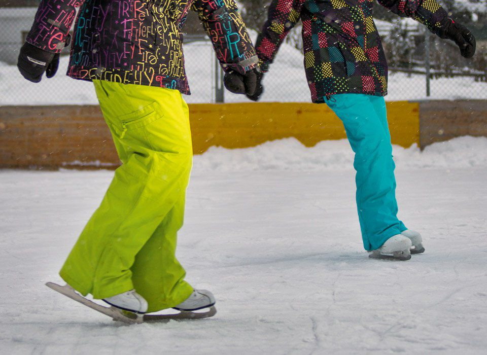 Ice skating and ice stock sport in Tux-Finkenberg